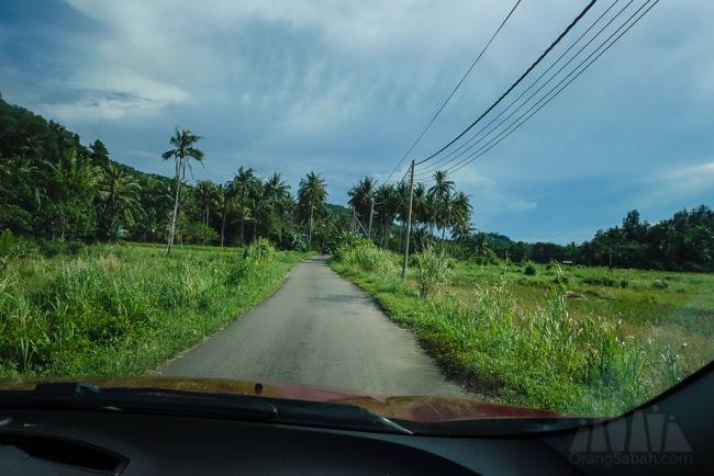 kelambu_beach_kudat_road